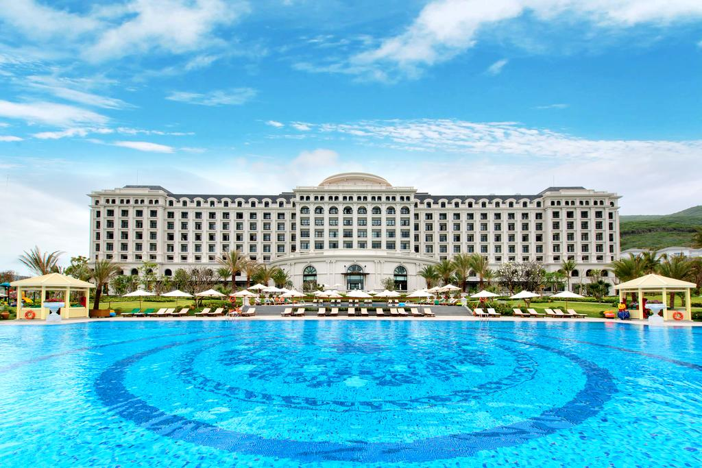 Vinpearl Nha Trang Golf Land Resorts and Villas