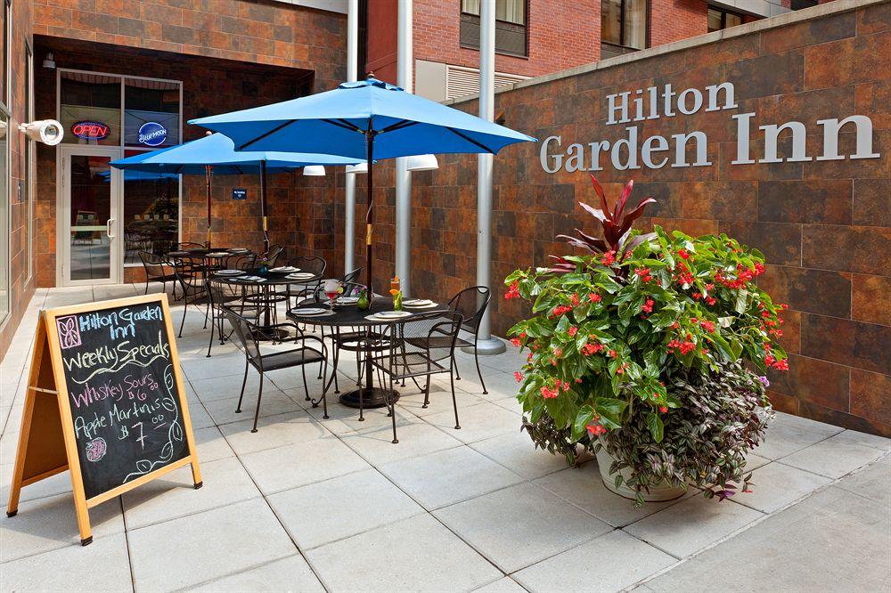Đặt phòng Khách sạn Hilton Garden Inn Hà Nội