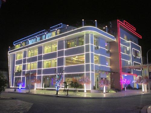 Khách sạn hoa đào hòa bình