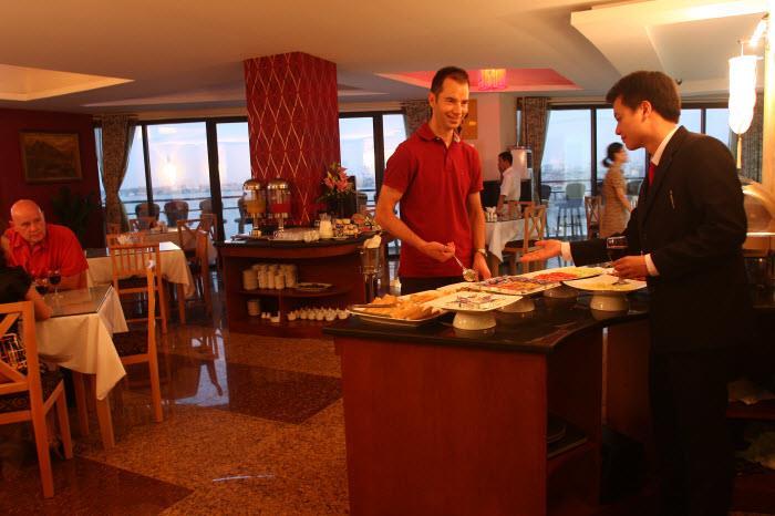 Đặt phòng khách sạn Sunset Westlake