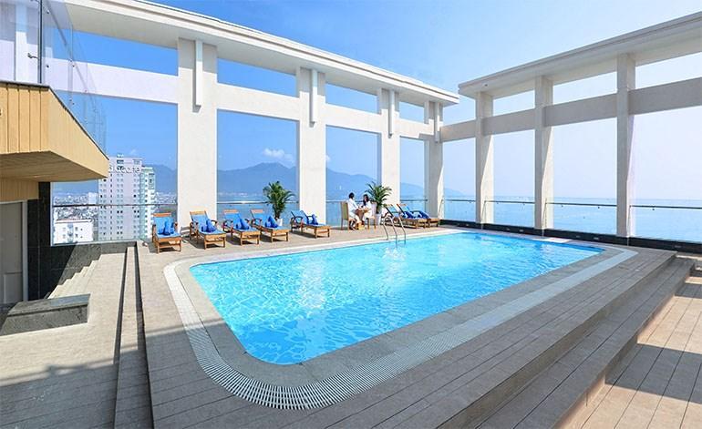 Khách sạn Diamond Sea Hotel