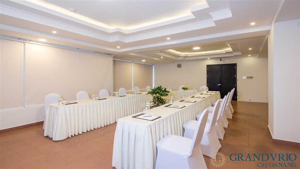 Tổ chức hội thảo tại khách sạn Grandvrio