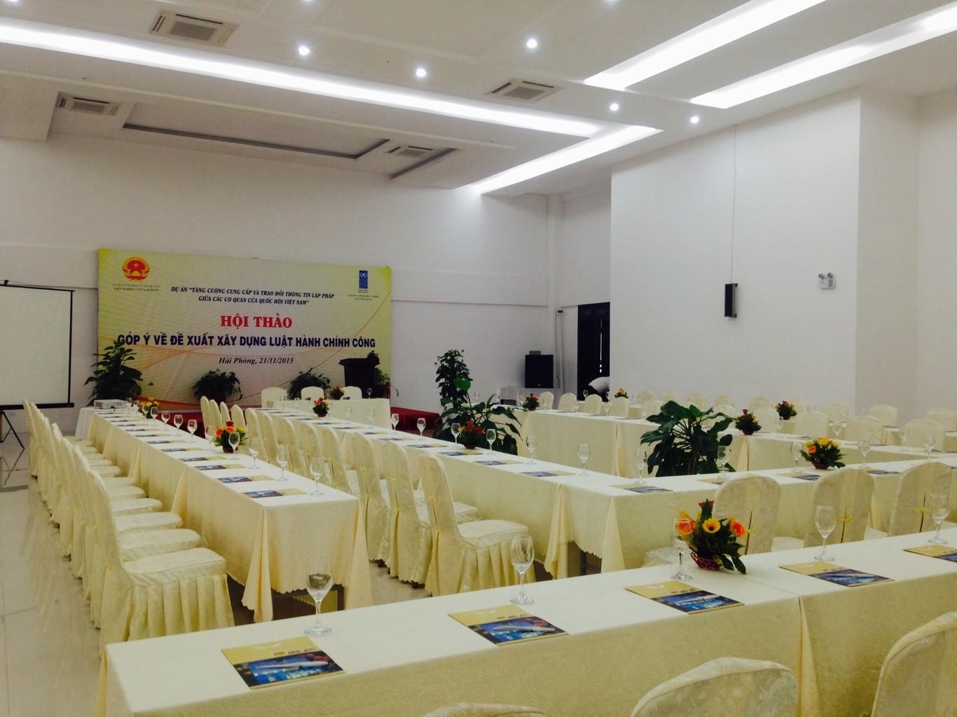 Tổ chức hội thảo tại Khách sạn Thăng Long Draco
