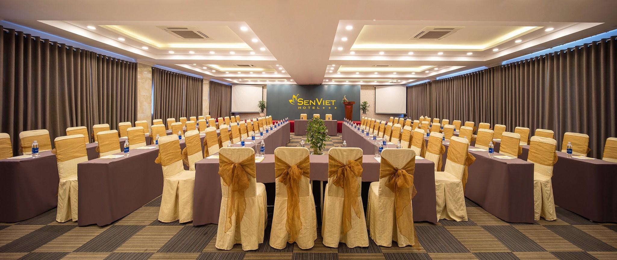 Hội thảo tại khách sạn Sen Việt