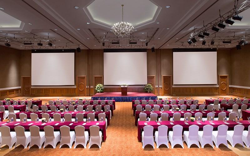 Tổ chức hội thảo tại khách sạn Sheraton