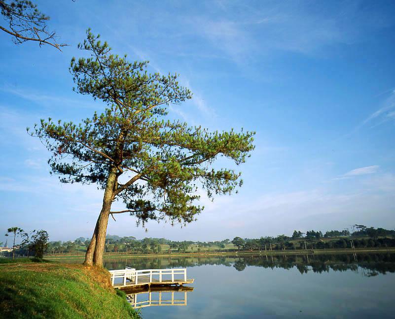 Đến Tây Nguyên ngắm những hồ nước đẹp