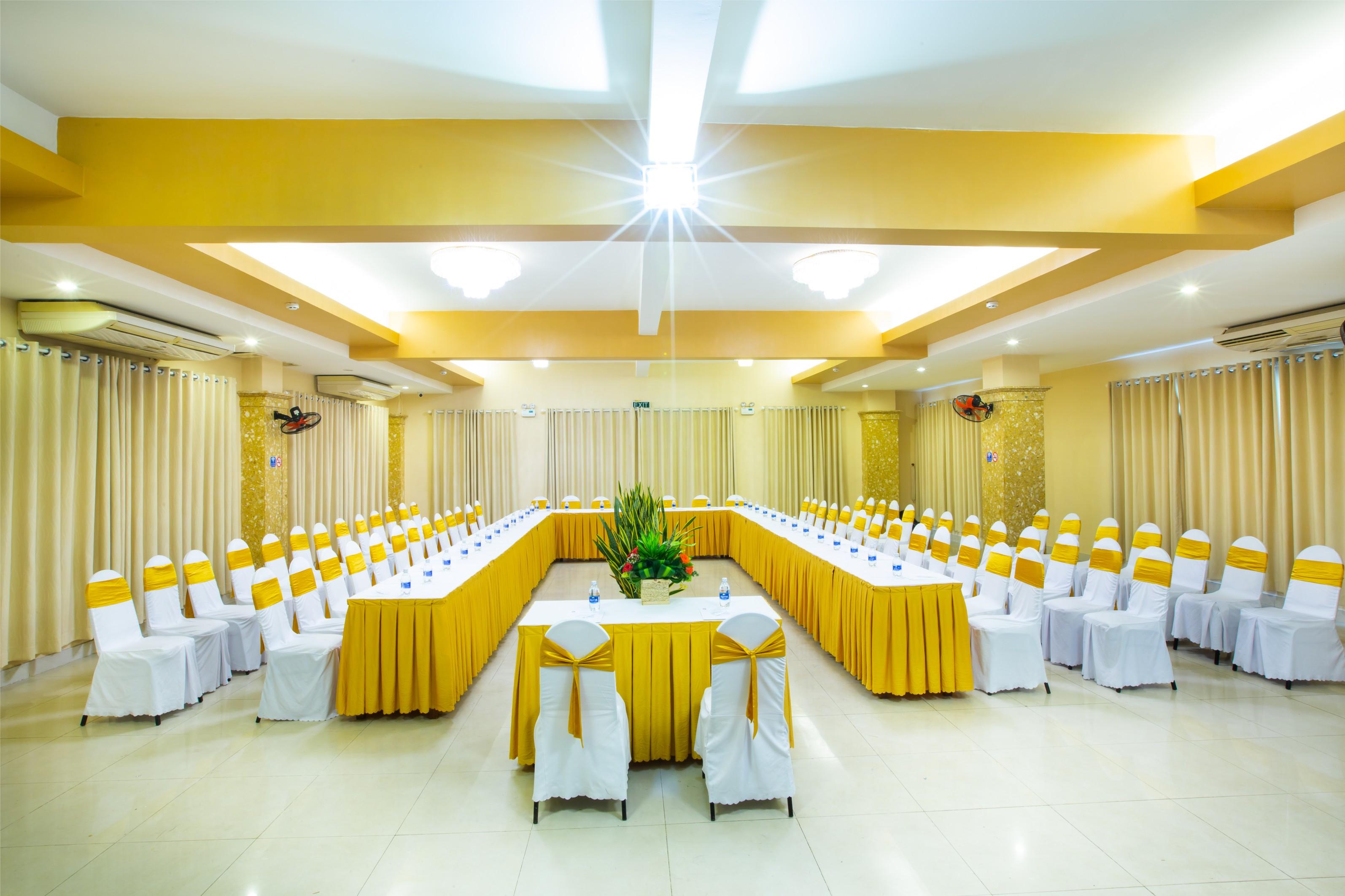 Tổ chức hội thảo tại khách sạn Hòa Bình Phú Quốc