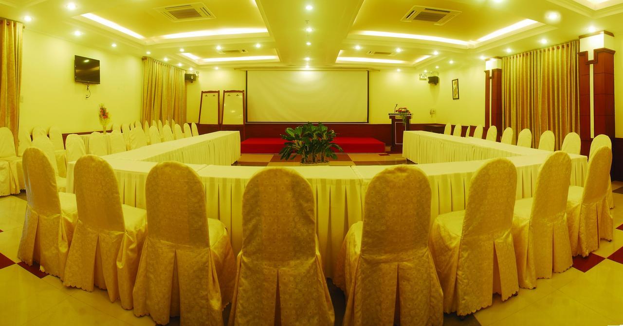 Tổ chức  hội thảo tại khách sạn Hậu Giang ***