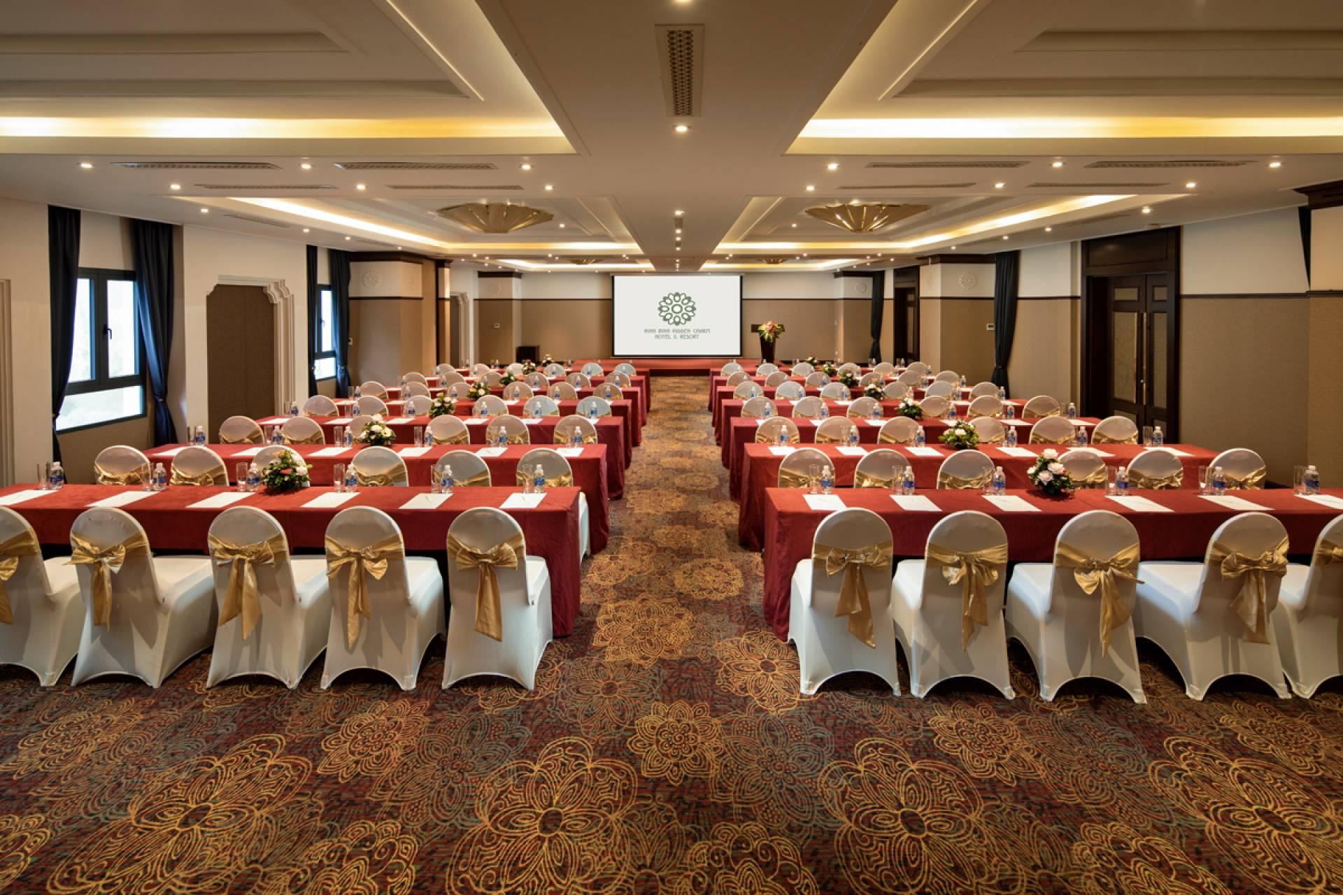 Tổ chức hội thảo tại Khách sạn Hidden Charm Ninh Bình