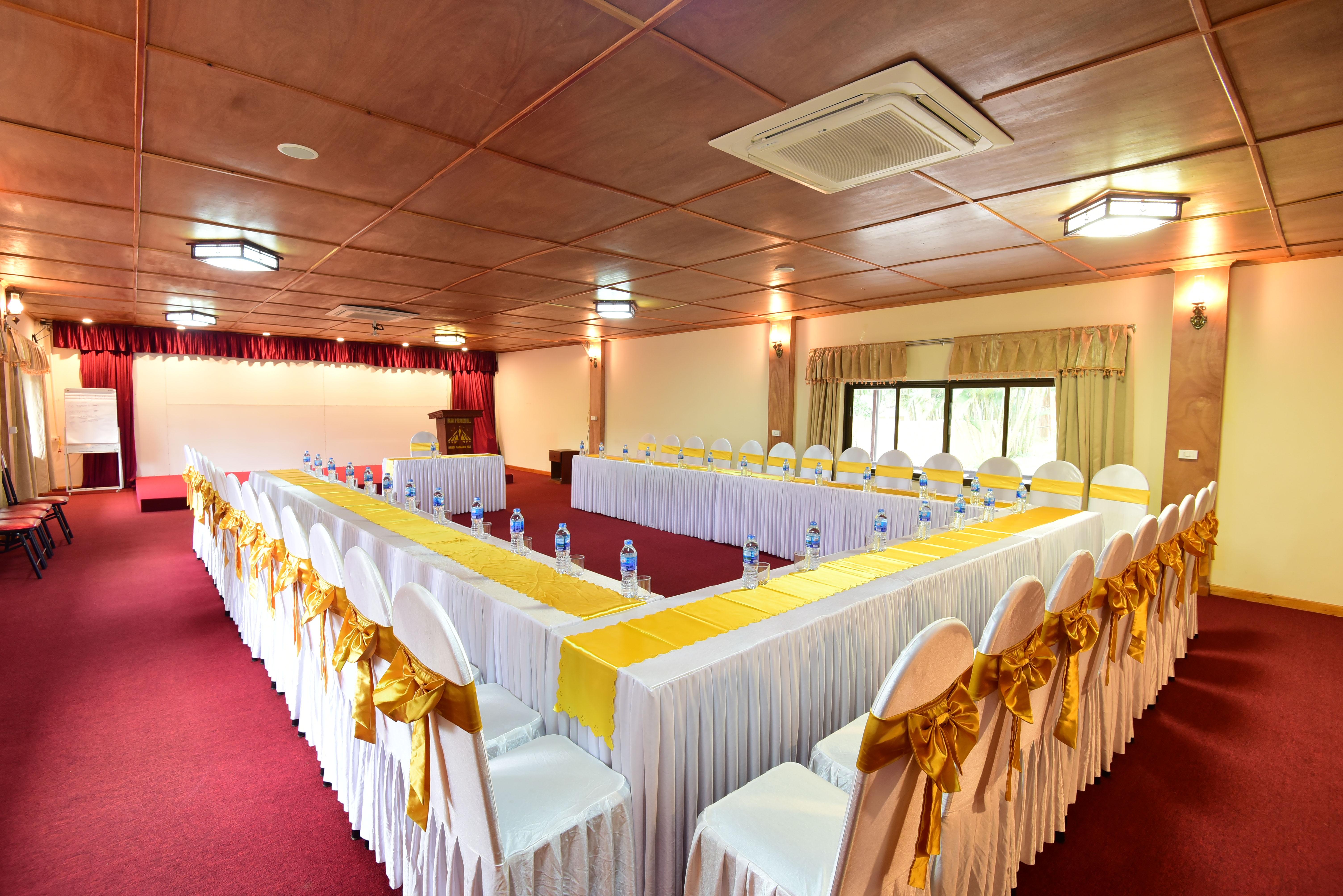 Tổ chức hội thảo tại Paragon Resort