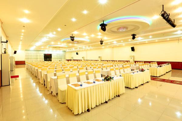 Hội thảo tại khách sạn Vạn Phát Riverside