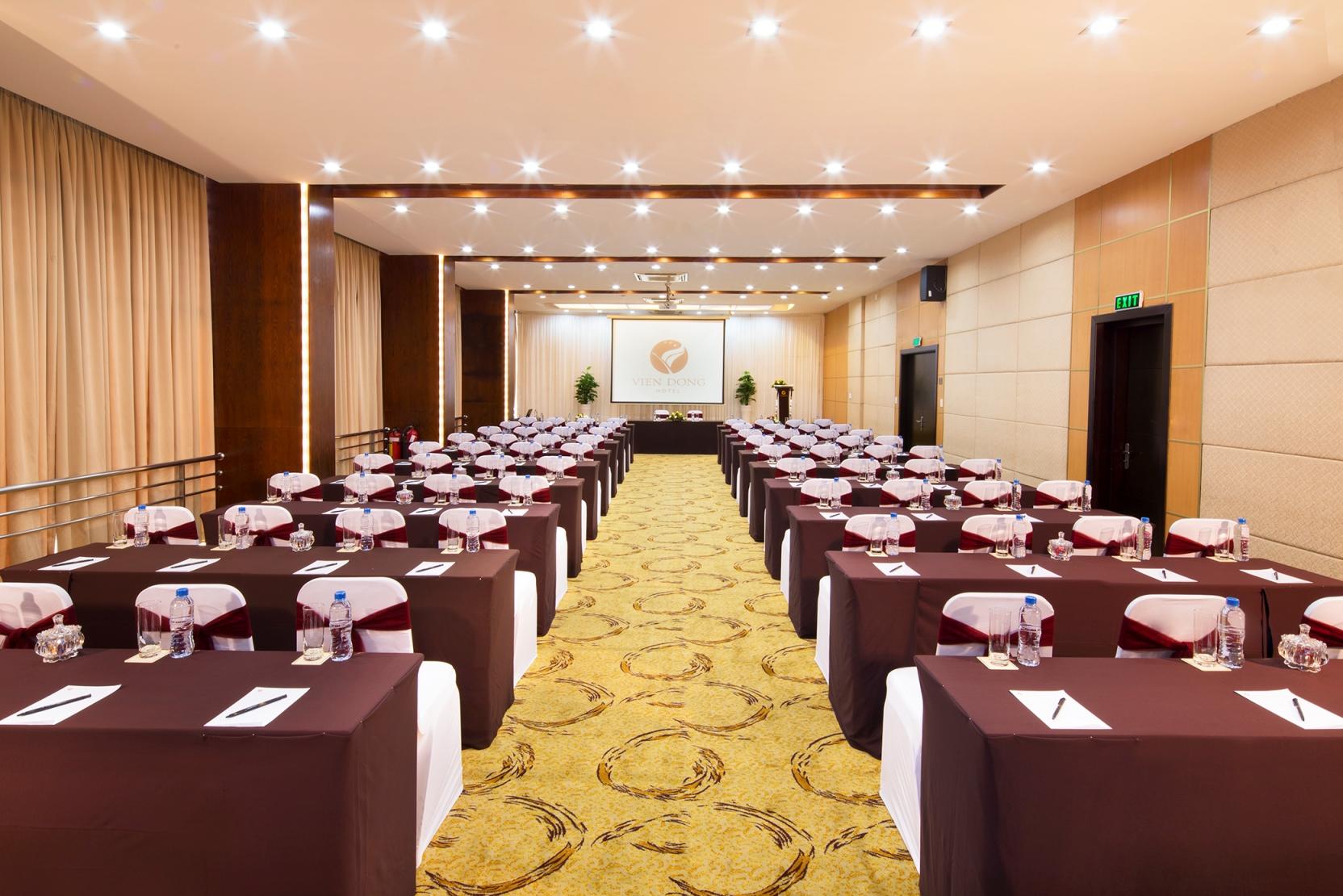 Hội thảo tại khách sạn Viễn Đông Sài Gòn