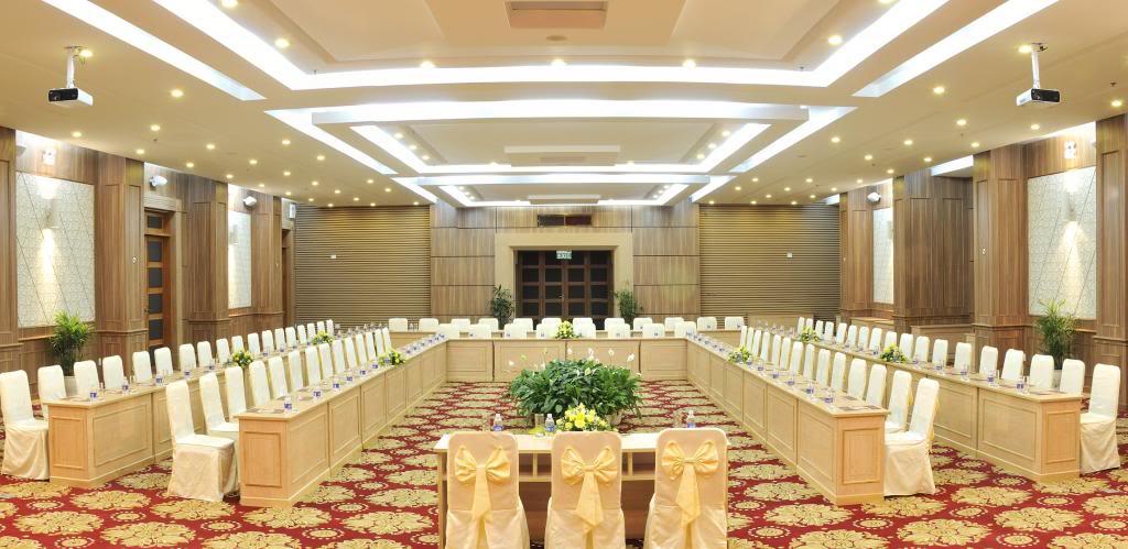 Tổ chức hội thảo tại Đà Lạt
