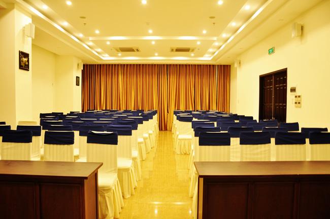 Hội thảo tại khách sạn Queen Huế