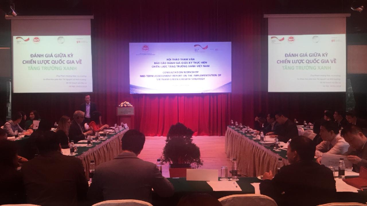 Hội thảo tham vấn đánh giá giữa kỳ  thực hiện chiến lược tăng trưởng xanh việt nam